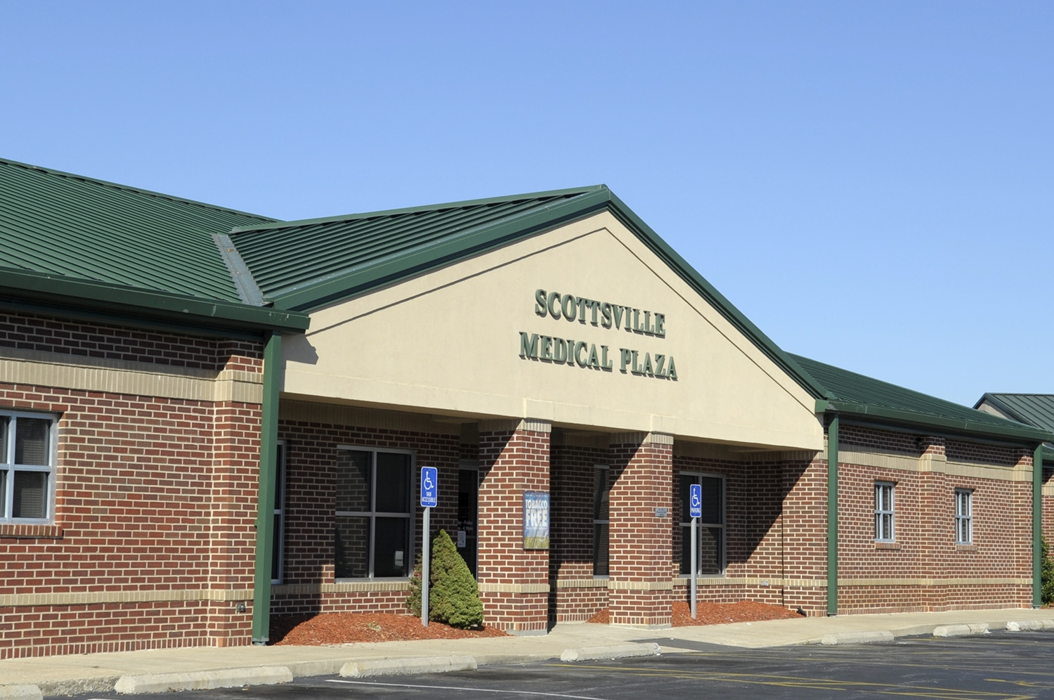 Exterior view of Scottsville Medical Plaza